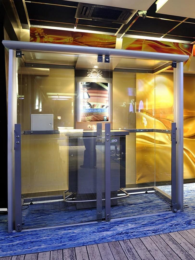 Cabina fumatori con ottimo design e comfort per ambienti interni