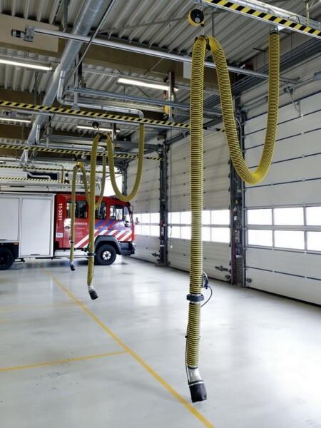 Calata per aspirazione gas di scarico veicoli vigili del fuoco