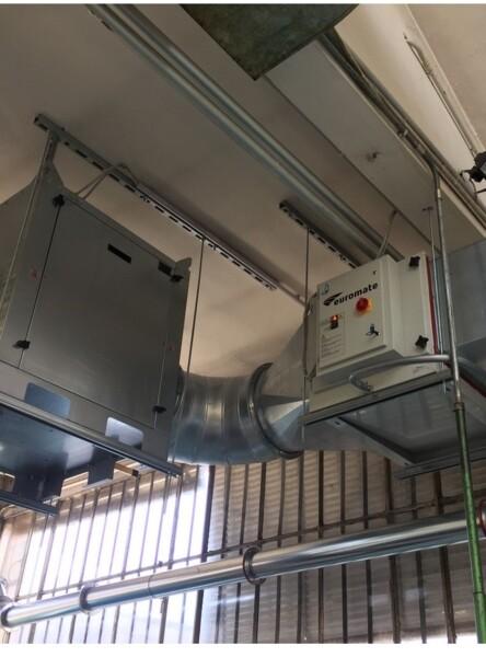Filtro per impianto centralizzato ideale per il trattamento dei fumi di saldatura su lamiere trattate ad olio