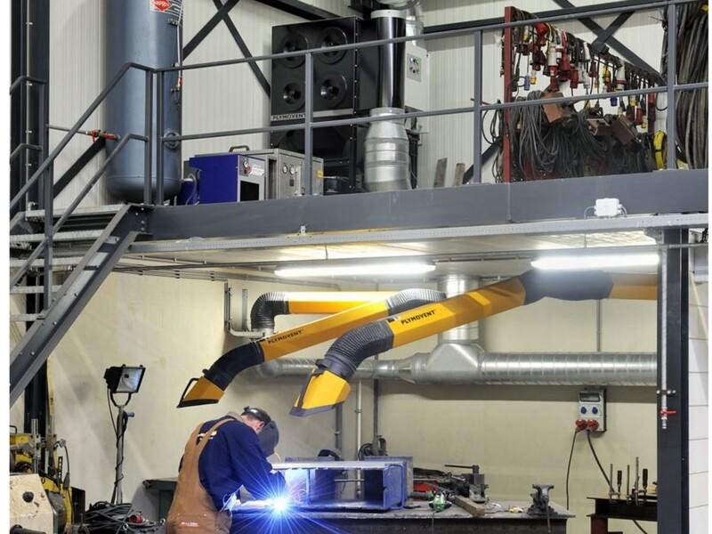 impianto centralizzato con braccio di aspirazione e filtro a cartucce