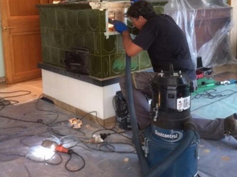 Aspirazione di polveri fini prodotte durante la realizzazione e manutenzione di stufe
