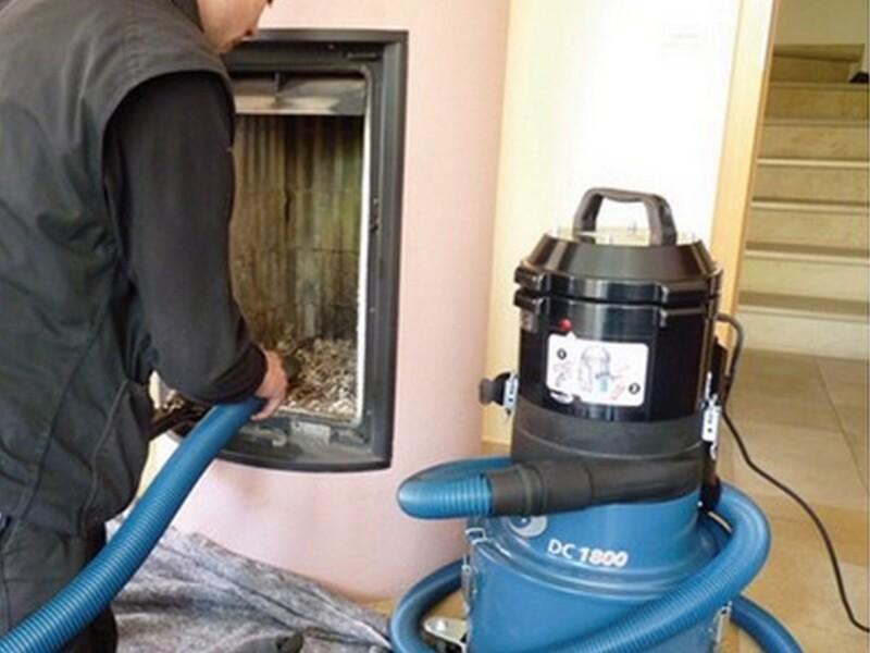 DC 1800 -  Aspirazione di polvere e cenere per camini e canne fumarie