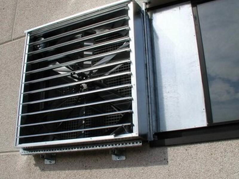 Elettroventilatori per il ricambio d'aria e per attenuare l'afa