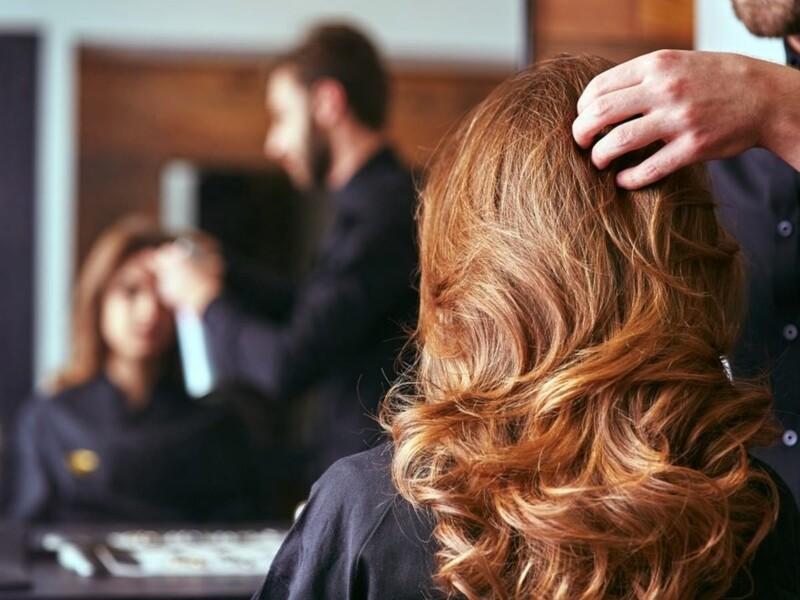 Aspirazione esalazione da tinte chimiche nei saloni parrucchieri