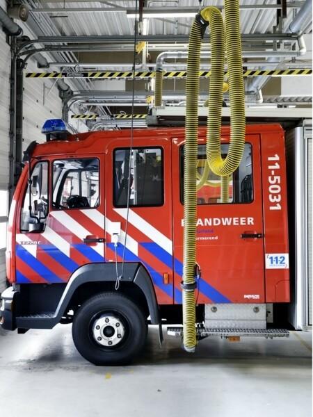 Tubo flessibile per calata aspirazione gas di scarico veicoli di emergenza