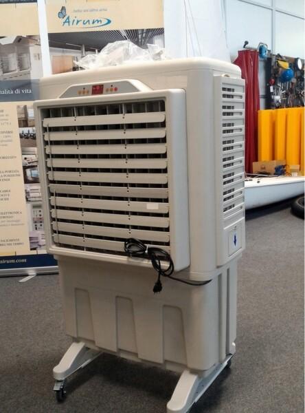 Raffrescatore evaporativo mobile per rinfrescare l'ambiente di lavoro durante i mesi estivi