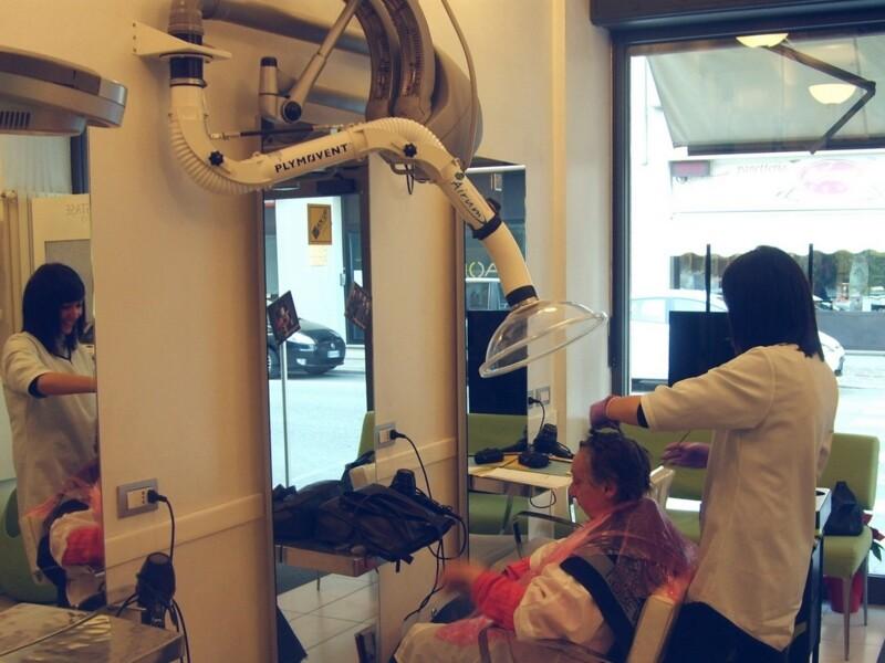 Braccio di aspirazione per salone parrucchiere